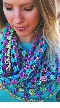 Lilys Sweetheart Crochet Cowl | FaveCrafts.com