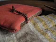DIY Small Fabric Clutch - very detailed instructions!