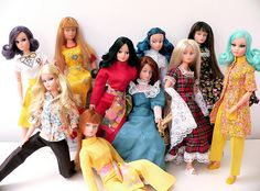 My Action Girl was the model at the front with the ginger fringe - great clothes on these though Fashion Dolls, Retro Fashion, Vintage Fashion, Hair Plugs, World Best Photos, Yellow Dress, Vintage Toys, Barbie, Action