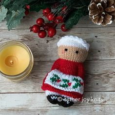 Ravelry: Pinafore Friends pattern by Esther Braithwaite Knitted Dolls Free, Knitted Doll Patterns, Christmas Knitting Patterns, Apron Patterns, Clothes Patterns, Knitting For Charity, Baby Knitting, Knitting Toys, Worry Dolls