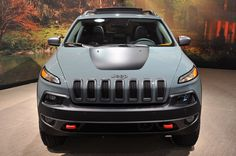 2014 Jeep Cherokee Trailhawk | 2014 Jeep Cherokee Trailhawk Front Photo 3 - PhotosJunction...may have found something I want to put on my Christmas list :)