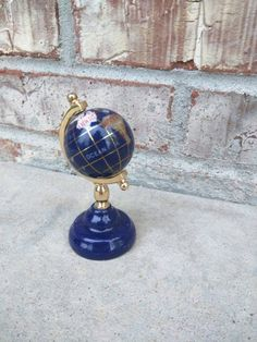 Check out this item in my Etsy shop https://www.etsy.com/listing/231486505/vintage-world-globe-small-desk-tabletop