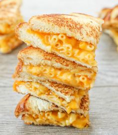 Grilled Macaroni and Cheese Sandwich - Kirbie's Cravings