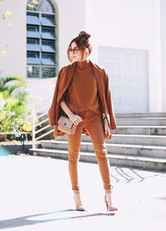 Monochromatic fashion style will only make your appearance look character and attract attention. In fashion, the monochromatic fashion application is when… Tomboy Stil, Estilo Tomboy, Estilo Preppy, Plaid Fashion, Tomboy Fashion, Look Fashion, Fashion Outfits, Preppy Mode, Preppy Style