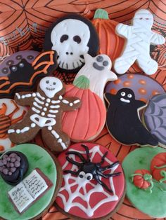Mrs Marvellous - the Memory Maker - creates unique handmade gifts, quilts, cushions & more from the stories you share with her. Halloween Cookies, Handmade Gifts, Quilts, Create, Cooking, Sweet, Desserts, Workshop, Cakes