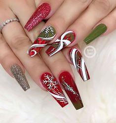 35 Cute Nail Design Ideas For Stylish Brides Cute Christmas Nails, Xmas Nails, New Year's Nails, Christmas Nail Designs, Holiday Nails, Hair And Nails, Chistmas Nails, Fall Acrylic Nails, Acrylic Nail Designs