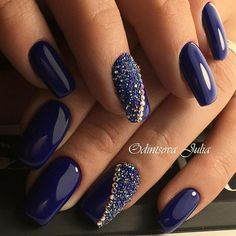 Blue Nails Pixie