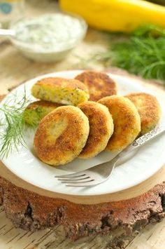 Kotlety z cukinii Bon Appetit, Baked Potato, French Toast, Food And Drink, Eggs, Vegetarian, Favorite Recipes, Healthy Recipes, Dishes