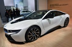 BMW mulled ten, eight, and six-cylinder engines for i8 before going hybrid