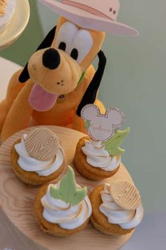 Don't miss this fun Mickey Mouse safari-themed birthday party! The cupcake are so cool!! See more party ideas and share yours at CatchMyParty.com