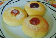 Pihe-puha fánk sütőben sütve Hungarian Cake, Hungarian Recipes, Hungarian Food, Doughnut, Donuts, Food To Make, Delish, Deserts, Food And Drink