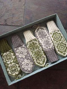 Vottemønster,Sokkemønster ,mønster til pannebånd og mini Selbu ? Fair Isle Knitting, Lace Knitting, Knitting Stitches, Knitting Socks, Knitting Patterns, Crochet Butterfly Free Pattern, Easy Crochet Patterns, Learn To Crochet, Knit Crochet