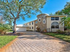 19810 N Riverside Drive Tequesta, FL 33469  Contact Jeff Grant for more information about this single family home. @(561) 412-5333