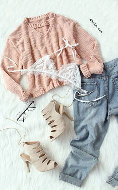 Cozy fall style-Pink cut out crop sweater outfit.