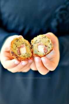 PANEDOLCEALCIOCCOLATO: Il mio Cheese di oggi con tanto di Svizzero e Polpette di pane raffermo con melanzane