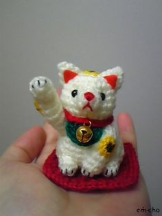 Kawaii Knitted Lucky-Cat (Japanese Amigurumi ManekiNeco)|招き猫