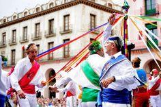 Fiestas y eventos    La personalidad de las fiestas de Huesca (10 agosto) y Graus (13 y 14 de septiembre) las convierte en Interés Turístico Nacional. Sumérgete en sus dances y adéntrate en la magia de otras muchas tradiciones marcadas en rojo en el calendario festivo de la provincia.
