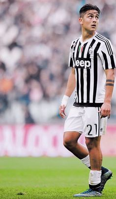 your number one source for everything about the Argentine footballer Paulo Dybala who plays as a striker for Italian club Juventus and the Argentina NT. Juventus Players, Juventus Fc, Zinedine Zidane, Madrid Football, Football Soccer, Soccer Ball, Uefa Champions, Champions League, Fifa 100