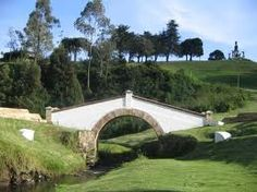 Lugar de l a batalla final por la independencia: Puente de Boyacá. Colombia