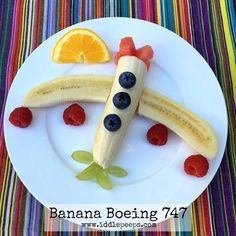 "Gefällt 150 Mal, 6 Kommentare - iddle peeps ✨Fun Family Ideas (@iddlepeeps) auf Instagram: ""Banana Boeing 747... Easy, healthy & fun kids food idea. Made in under 3 minutes & great for picky…"""