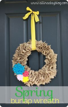 DIY Spring Burlap Wreath with Felt Flowers Burlap Crafts, Wreath Crafts, Diy Wreath, Wreath Ideas, Fabric Wreath, Burlap Wreaths, Crafty Craft, Crafty Projects, Crafting
