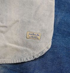 This Scotch and Soda dip-dye worker shirt is a definite this season for those true denim lovers. New from the autumn/winter collection this dip dyed shirt features long sleeves, branded button closure, two chest pockets and a small patch logo to the bottom. Finished in a crisp blue dip dye wash this shirt would be perfect matched with one of our darker denims for those winter nights out!  http://www.itsinyourjeans.co.uk/top-brands-1003/scotch-soda/worker-shirt-denim-dipped.html