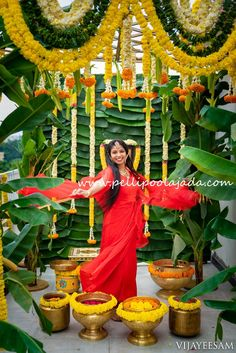 Order Fresh flower poolajada, bridal accessories from our local branches present over SouthIndia, Mumbai, Delhi, Singapore and USA.  • Fresh and artificial flower poolajadalu  • Flower jewellery for mehendi  • Kobbari bondam  • Fresh flower garlands  • Cloth and Floral Addutera  • Flower based gifts for events   #SouthIndianbride #southAsianbride #hindubride #telugubride #bridesofindia #bridalinspo #bridalinspiration #weddingaccessories #teluguwedding #weddingideas