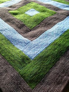 This looks like a really simple method of piecing strips instead of changing yarn.
