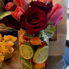 Love the citrus-filled vase! Great for spring and boring vases!