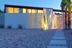 Awesome breeze block wall backyard inspiration ideas 46 - Curved garden edging may sound complicated, but it's a surprisingly effortless effect you may recreate yourself without much work! Breeze Block Wall, Palm Springs Vacation Rentals, Mid Century Exterior, Desert Homes, Mid Century House, Elegant Homes, Mid Century Design, Modern Architecture, Mid-century Modern