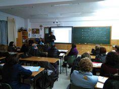 Amadeo Fernández @AmadeoFdz_deo Formación claustro @maristaslugo. Con David y Mar de Coruña, repaso cooperativo.#compostelaenruta