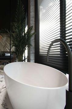 Bathroom Black Taps Clawfoot Tubs 62 Ideas For 2019 Luxury Bathtub, Modern Bathroom, Bathroom Freestanding, Black Bathroom, Bathroom Design Luxury, Contemporary Bathroom Designs, Black Bathroom Taps, Black Faucet Bathroom, Bathroom Design