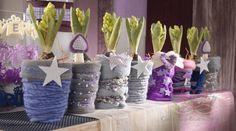 bloempot of vaas omwikkelen met wol, lint, kant, garen enz en dan versieren met kralen, parels pailletten enz ((crea paloppo))