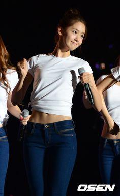 #Yoona #윤아 #ユナ #SNSD #少女時代 #소녀시대 #GirlsGeneration Gangnam concert 121007