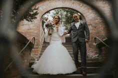 Wedding photography Transylvania | Photographer Majos Daniel | www.majosdaniel.ro instagram.com/majosdanielfoto facebook.com/mdfotostudio Mermaid Wedding, Wedding Photography, Facebook, Wedding Dresses, Instagram, Fashion, Bride Dresses, Moda, Bridal Gowns