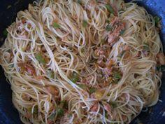 macarrao espaguete com atum e alho frito na frigideira - Google Search