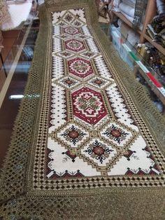 Cross Stitch Patterns, Bohemian Rug, Tapestry, Rugs, Home Decor, Dots, Needlepoint, Punto De Cruz, Hanging Tapestry