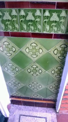 in our local area of Crouch End, these gorgeous Edwardian, Art Nouveou glazed wall tiles situated on either side of the front door really create a impact before even entering the property. Victorian Porch, Victorian Tiles, Edwardian House, Antique Tiles, Vintage Tile, Porch Wall Tiles, House Tiles, Edwardian Architecture, Minton Tiles