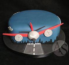 Airplane Cake. Ana Elisa Salinas