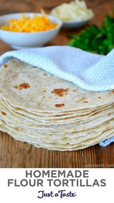 Homemade Flour Tortillas, Recipes With Flour Tortillas, Flour Recipes, Sauce Recipes, Mexican Dishes, Mexican Food Recipes, Whole Food Recipes, Vegetarian Recipes, Cooking Recipes