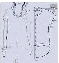 """vamos combinar: MOLDE BLUSA MULLET """"Smooth sleeve hi/low tshirt"""", """"check out my website for more . Tunic Sewing Patterns, Sewing Blouses, Clothing Patterns, Dress Patterns, T Shirt Patterns, Tunic Pattern, Sewing Stitches, Coat Patterns, Fashion Sewing"""