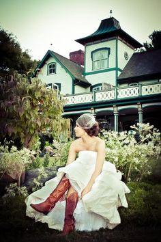Wedding at Mountain Magnolia Inn in Hot Springs, NC.  Photo ® http://www.luxehousephotographic.com/