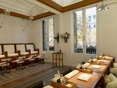 La Sala Grande de Passeig de Gràcia, 100. El espacio para manicuras y pedicuras.