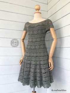 This Pin was discovered by Tat - Salvabrani - Salvabrani Crochet Short Dresses, Crochet Skirts, Crochet Clothes, Short Sleeve Dresses, Crochet Woman, Knit Crochet, Crochet Hats, Dress Patterns, Crochet Patterns