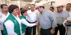 El Gobernador de Veracruz reiteró que con la reactivación de este Centro de Acopio de Leche Fresca se pone en marcha el primero de 10 que se construyen y rehabilitan en la entidad.