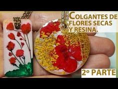 Making jewelry from dried flowers petals and resin epoxy. Resin Flowers, Dried Flowers, Resin Jewlery, Resin Tutorial, Resin Charms, How To Preserve Flowers, Flower Petals, Diy And Crafts, Jewelry Making