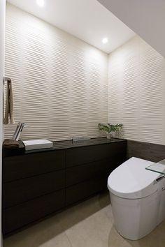 トイレ/バス事例:高級感あるトイレ(重厚感漂うラグジュアリー空間 (リノベーション))