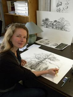 Sarah Simblet presenting workshops in South Africa in 2013 Botanical Drawings, Botanical Art, Botanical Illustration, What Is An Artist, Artist At Work, Illustration Botanique, Art Party, Art Sketchbook, Illustrations