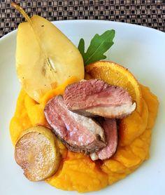 Pripravte si sťavnaté kačacie prsia s pečenými hruškami a jemným tekvicovým pyré Tuna, Food And Drink, Fish, Meat