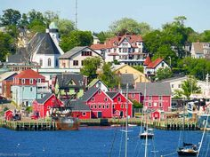 Traveling to Nova Scotia--what to see, what to do, what to eat and where to stay while traveling in beautiful Canadian Maritime province of Nova Scotia. Alberta Canada, Ottawa, Trenton Ontario, Quebec, Lunenburg Nova Scotia, Nova Scotia Travel, Montreal, Vancouver, Canadian House